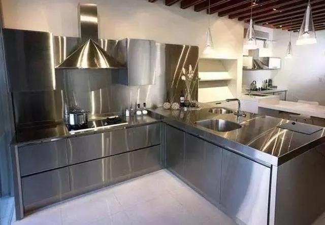 商用厨房和家用厨房有什么不同